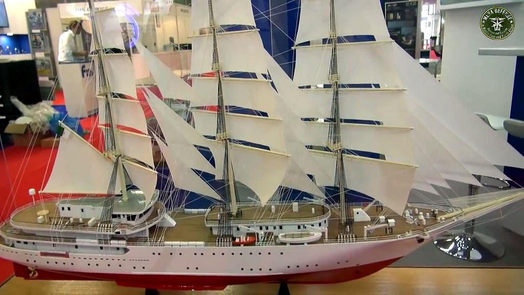 الجزائر تبني السفينة الشراعية  في بولونيا والتسليم في 2016 - صفحة 2 29636375996_6d011e9ea2_b