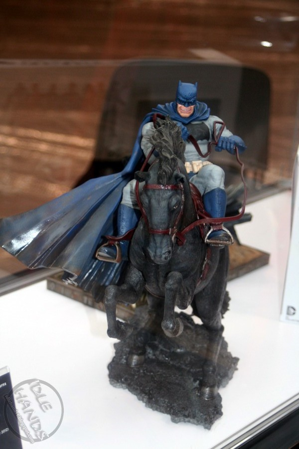 Dc Direct - 1/6 The Dark Knight returns Batman horse Statue 8076049794_bbe9a402ba_o