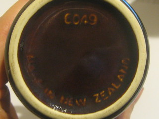 Made in NZ by Crown Lynn 8079457378_501ca3f722_n