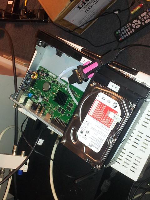 thiết bị xem truyền hình HybridTV và CloudTV của VTC 8190527716_e74b5bcb6d_z