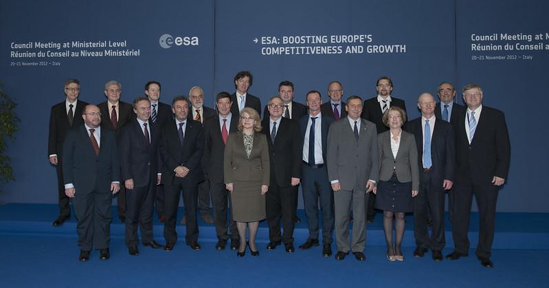 Ministérielle de l'ESA (Naples - 20 et 21 novembre 2012) - Page 2 8202502041_bb91704f81_c
