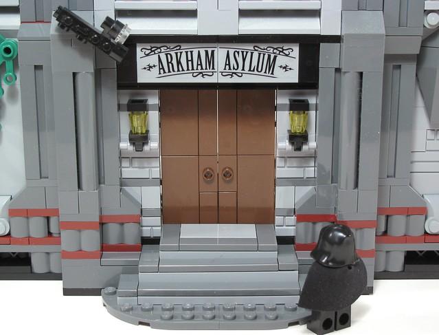 10937 Batman: Arkham Asylum Breakout 8307888528_c29db84ab1_z