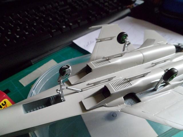 Pas-à-pas : Sukhoi 27 Flanker [CC:Lee 1/72 ] 8581708064_ae7888c2e8_z