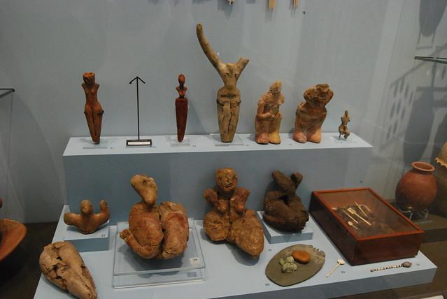 figuras femeninas de la fertilidad 7488337370_6b969bf016_z