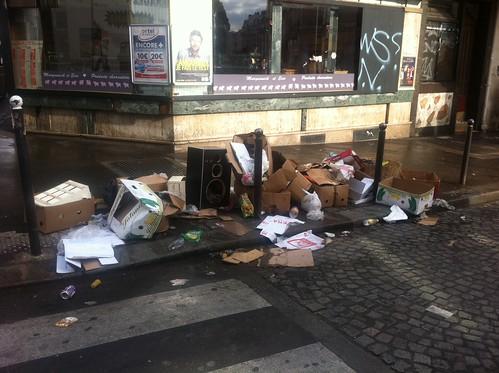 Bonjour le matin en poubelles 7599574930_edd2f0c603
