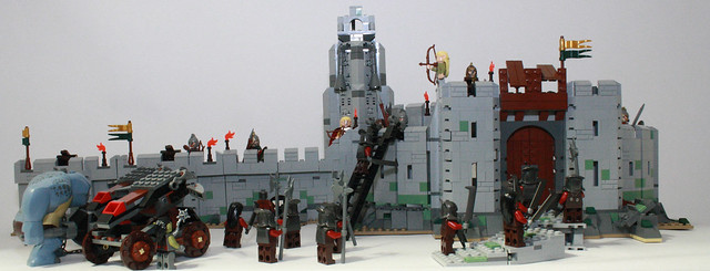 9474 The Battle of Helm's Deep review(neko if you havent read the hogwarts one yet i will not post any more lego stuff) 7182381243_eec1f22971_z