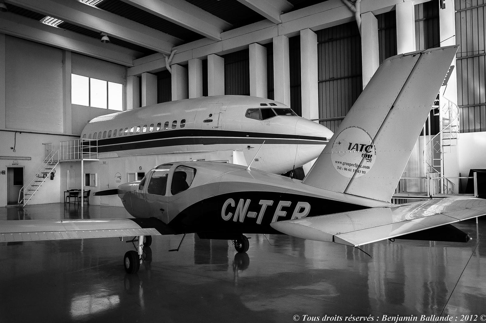 Photos des avions immatriculés au Maroc (CN) 8042519930_10e6fb6c21_h