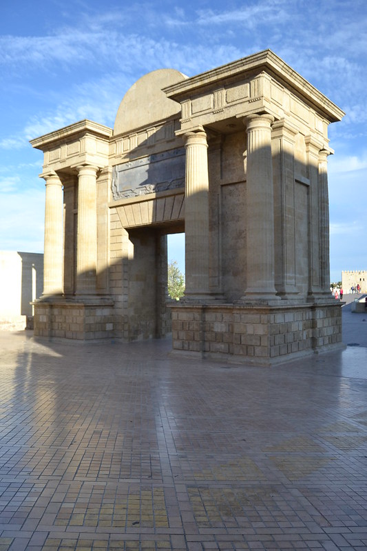 Arco del triunfo 7908439914_18c70d1c5e_c