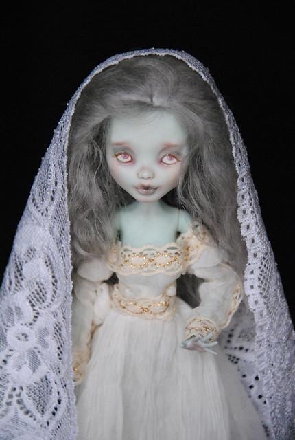 (MH custo) Ma dame blanche par Esthy p3 - Page 3 8141282010_0d8de14542_z