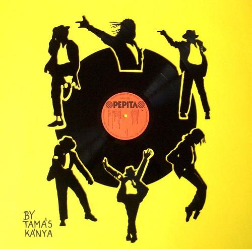 L'artista Tamas Kanya omaggia le star della musica del vinile 8349713757_dd54548e8e
