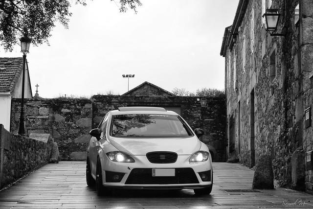 Mi hilo de fotos de coches - Página 3 8252590248_6ce01b8565_z