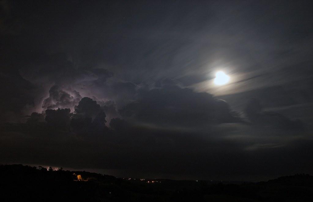 Ambiance nuageuse 8605676371_87bb2734c1_b