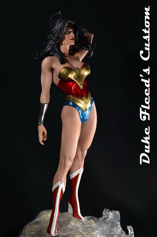 Wonder woman from Sideshow comiquette vers.2 7685893432_b32de68c7f_c
