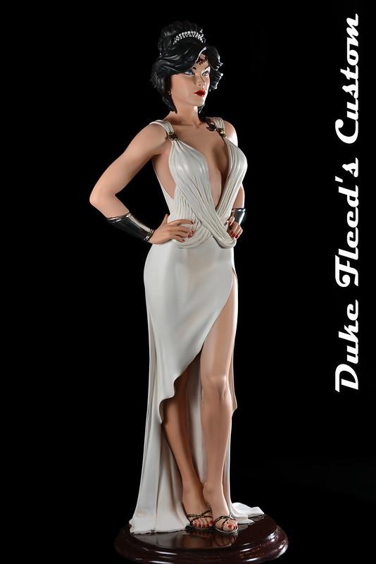 Wonder Woman Dress vers.2 7738357516_5ed4cb3e1c_c