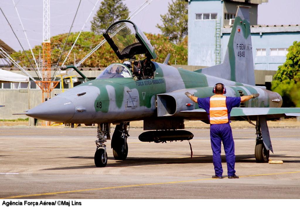 Armée Brésilienne/Brazilian Armed Forces/Forças Armadas Brasileiras - Page 20 7980077725_c5a5af7aaa_b