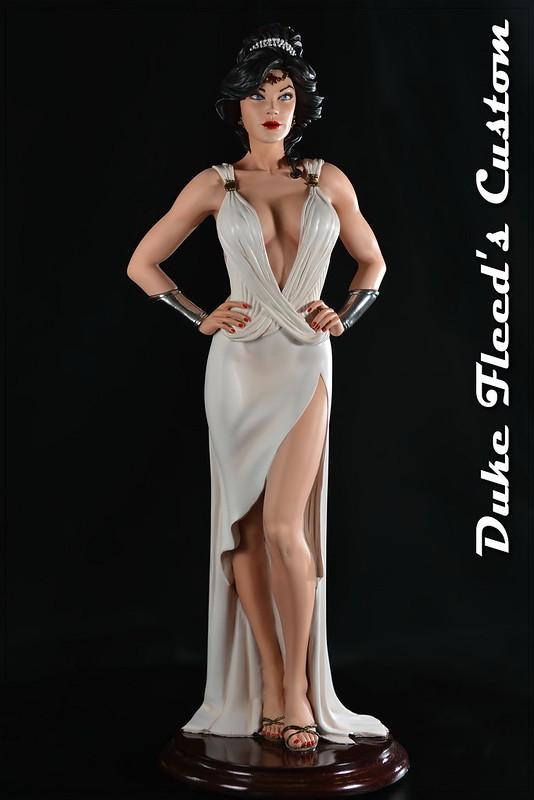Wonder Woman Dress vers.2 7738359052_1682c81b25_c