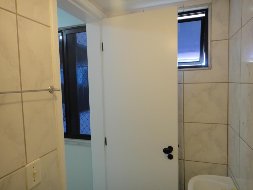 Construindo meu Home Studio - Isolando e Tratando - Página 2 7650935930_3c6abac0f1_b