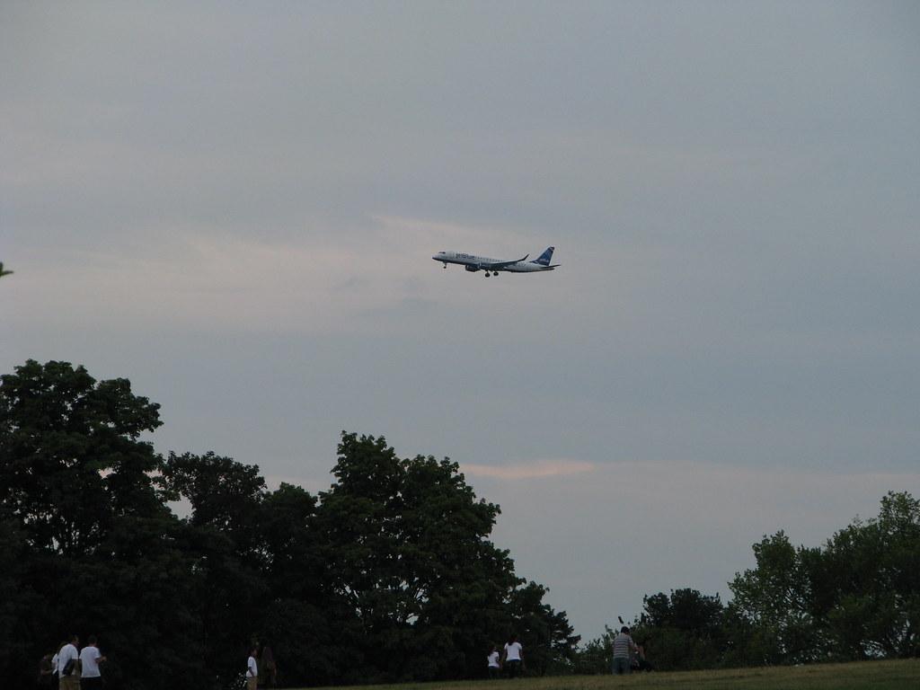 Ronald Reagan Washington National Airport ( DCA / KDCA) 7889847152_b5912967e7_b