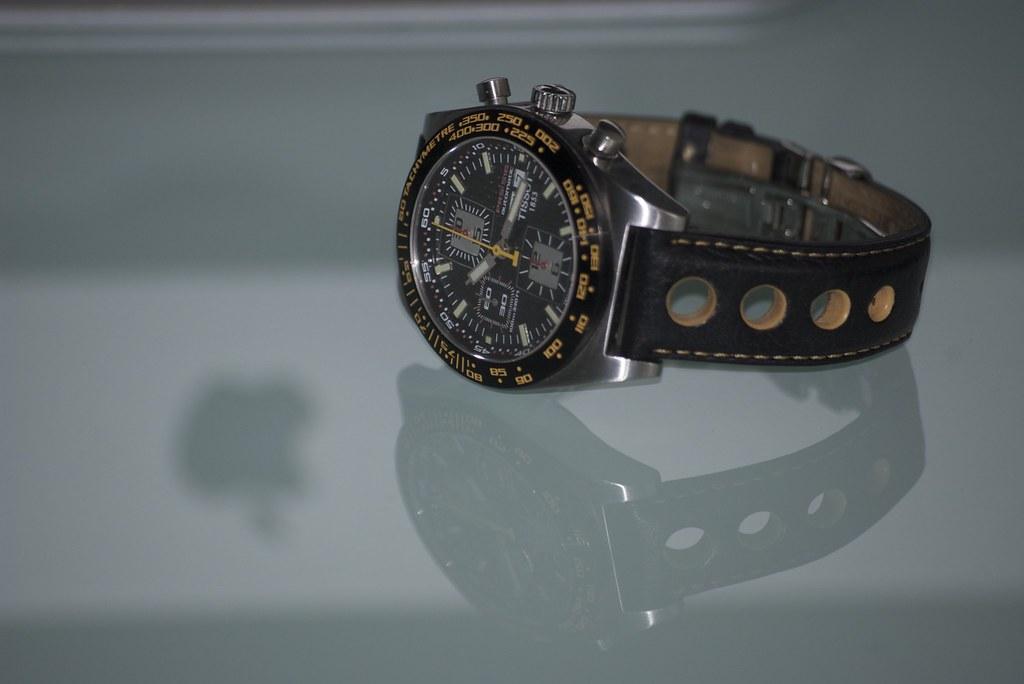 Un chrono typé sport auto à moins de 1000€. 7782775434_c440bae1b4_b