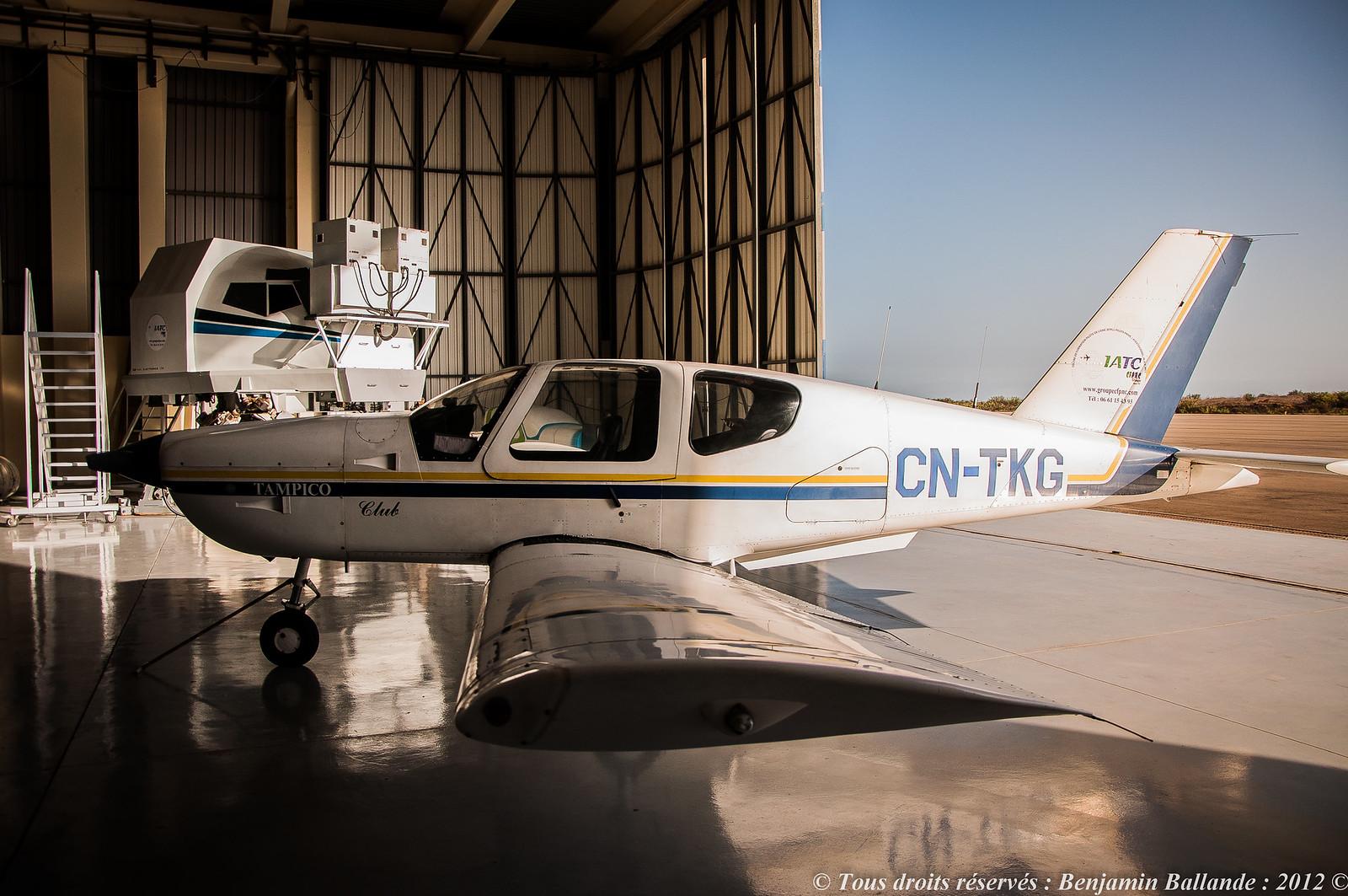 Photos des avions immatriculés au Maroc (CN) 8042626110_8fa9b03128_h