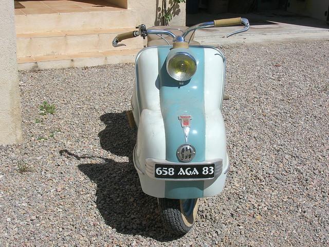 Scooter Magnat Debon 8193308684_4ee0118810_z