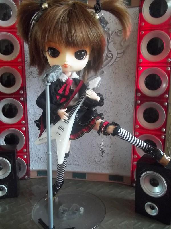 Mes dolls (pullip, taeyang, J-doll, classmate...) 8274134913_0000483b87_c
