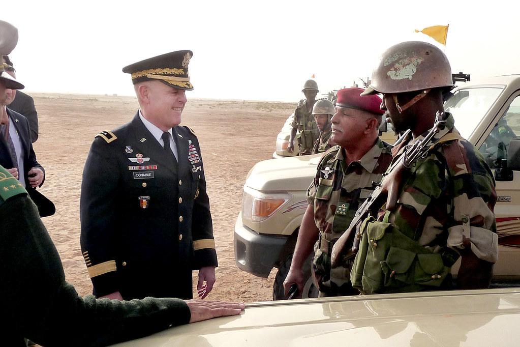Armée Mauritanienne - Page 5 8378955065_81b3922f3b_b
