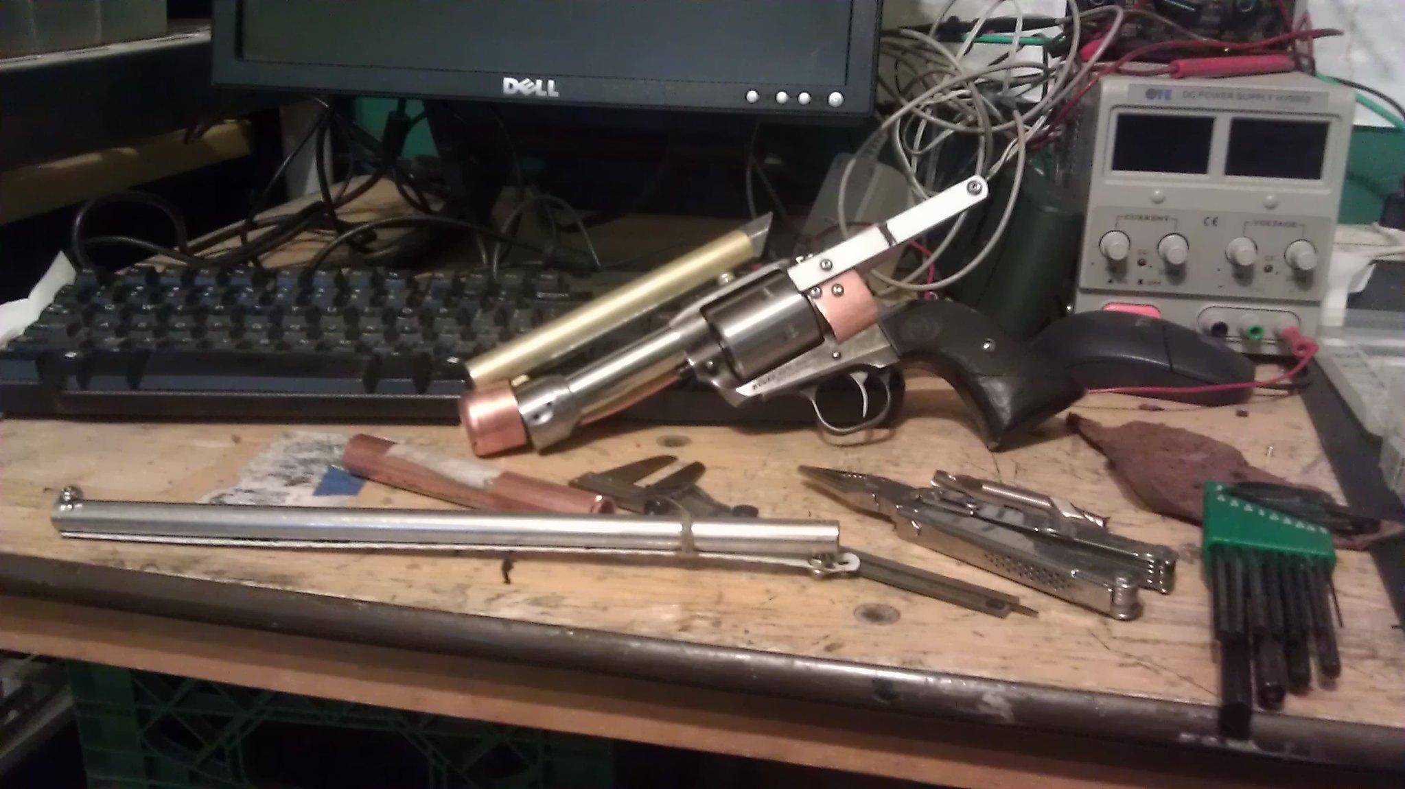 Revolver automatique ?!?! 8339446903_2c5e86d02a_k