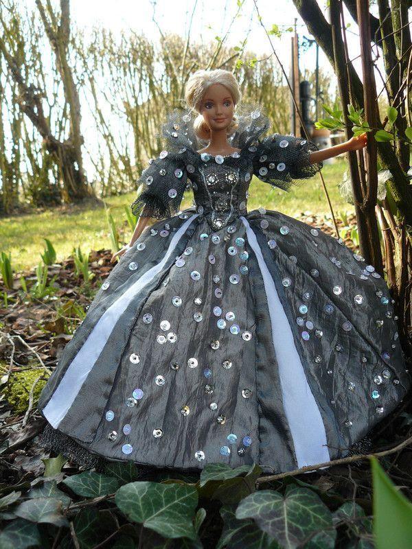 créations de vêtements de poupées Ae24b202