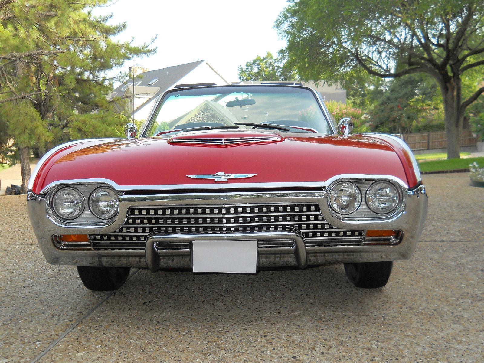 Kia Electrico Concept 1962-Ford-Thunderbird-13