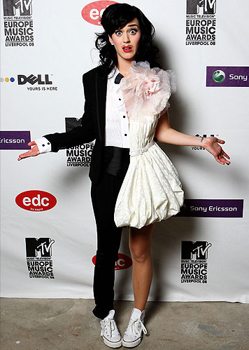 MTV VMA's 2011 >> 28/AUG [3 premios] - Página 11 Boy-celebrity-dress-girl-katy-perry-man-Favim.com-62787
