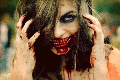 Capitulo 03 - Momento de Paz: Caçadora de Sangue  Beautiful-blood-creepy-evil-girl-smile-Favim.com-70833