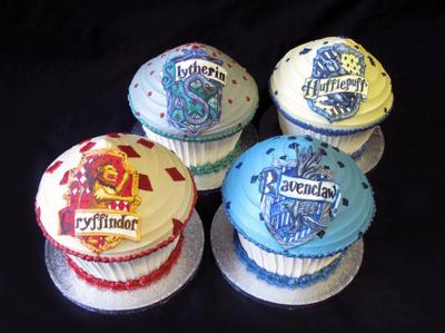 ● Lechuza de Hyunseung || El Dios Asiático Cakes-cucakes-gryffindor-harry-potter-hufflepuff-muffins-Favim.com-72026