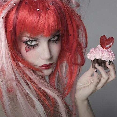 MOON NIGHT Cupcake-emilie-autumn-glitter-hair-pink-red-Favim.com-93254