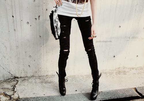 Imbracaminte - Page 5 Boots-fashion-girl-h3rsmile.tumblr.com-jeans-legs-Favim.com-109229
