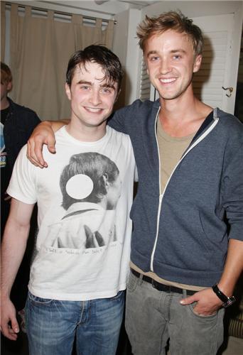 ¿Cuánto mide Daniel Radcliffe? - Altura - Real height F2b1681ef3c14077c25e6df