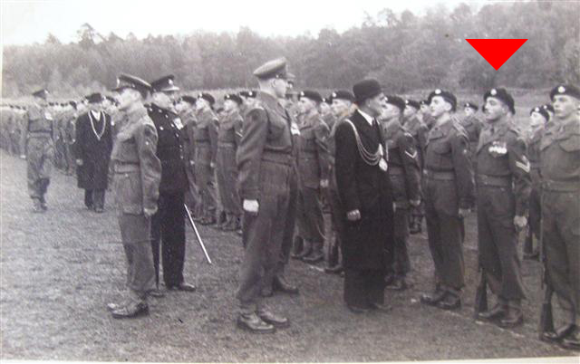 Who is the man in this picture? (1952 Montgomery barracks) Soldat2