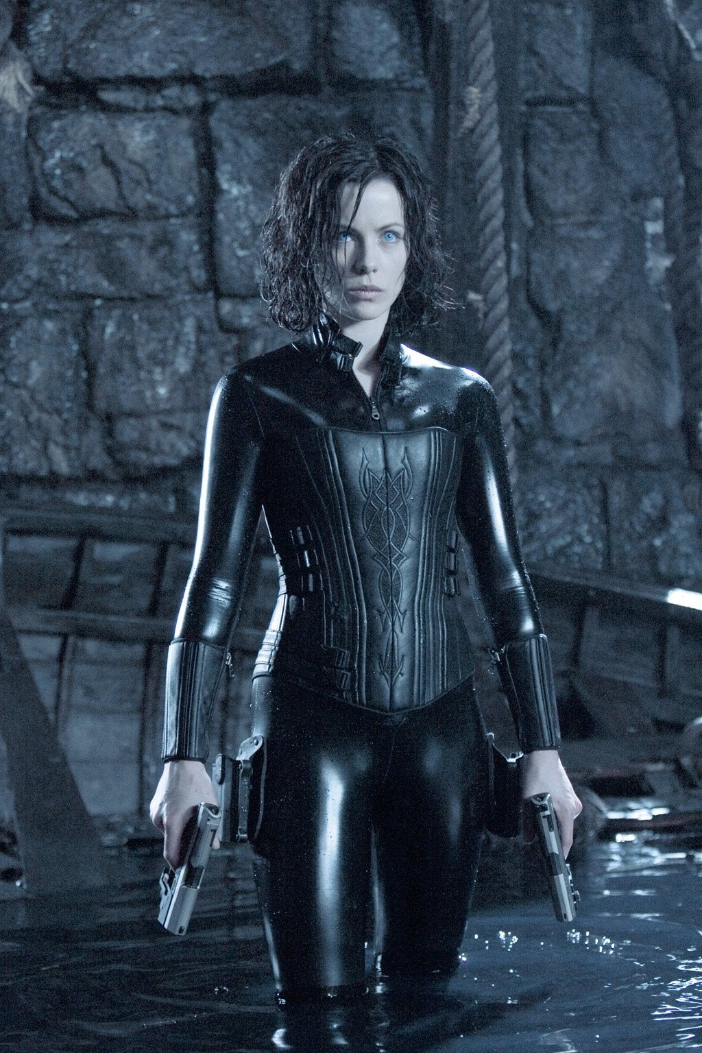 Notre idéal féminin Underworld-evolution-20050824113736656