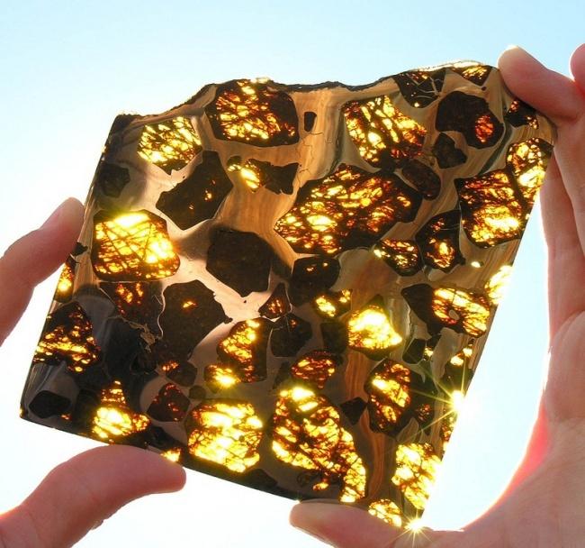 23 фотографии, в которые трудно поверить 7558410-R3L8T8D-650-fukang-meteorite-96