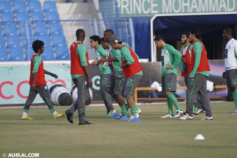 أخبار المنتخب السعودي ليوم الخميس 30/ 12/ 2010م: المنتخب السعودي يواصل تدريباته استعداداً لمواجهة المنتخب البحريني ودياً (تقرير - صور)  01843623709564382866