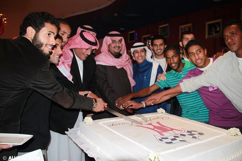 الأمير محمد بن خالد يفتتح مقهى olympics lounge الرياضي بحضور مسئولي ولاعبي الهلال وعدد من الرياضيين  04112203713812074522