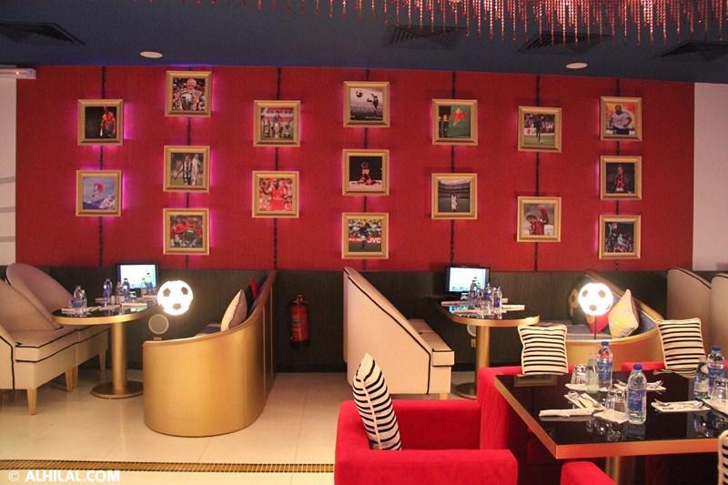الأمير محمد بن خالد يفتتح مقهى olympics lounge الرياضي بحضور مسئولي ولاعبي الهلال وعدد من الرياضيين  11375723965888561801