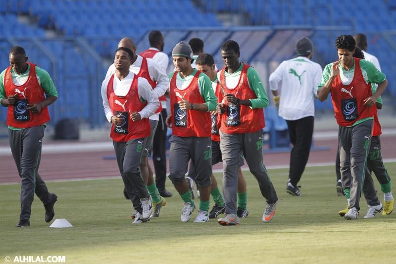 أخبار المنتخب السعودي ليوم الخميس 30/ 12/ 2010م: المنتخب السعودي يواصل تدريباته استعداداً لمواجهة المنتخب البحريني ودياً (تقرير - صور)  12493061800109898387