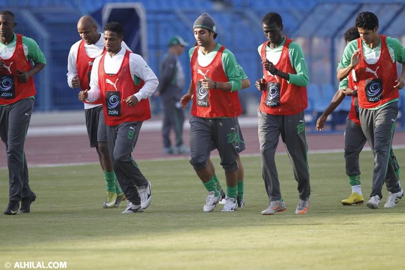 أخبار المنتخب السعودي ليوم الخميس 30/ 12/ 2010م: المنتخب السعودي يواصل تدريباته استعداداً لمواجهة المنتخب البحريني ودياً (تقرير - صور)  30449387356204009976