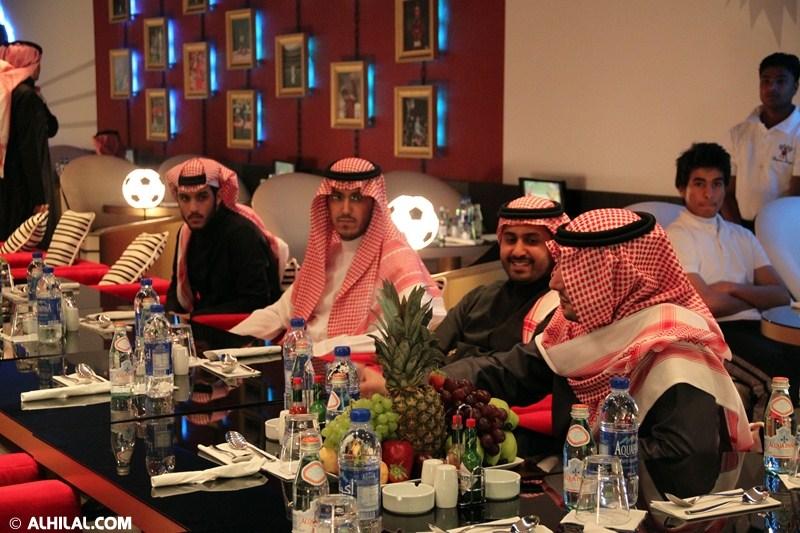الأمير محمد بن خالد يفتتح مقهى olympics lounge الرياضي بحضور مسئولي ولاعبي الهلال وعدد من الرياضيين  53835488738705913329