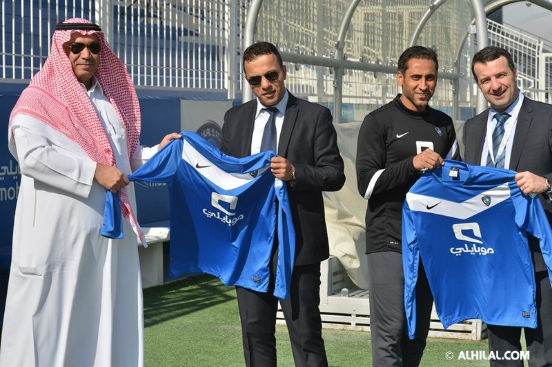 الأمير محمد بن خالد يفتتح مقهى olympics lounge الرياضي بحضور مسئولي ولاعبي الهلال وعدد من الرياضيين  56566970904635268886