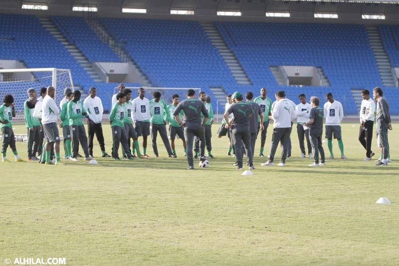 أخبار المنتخب السعودي ليوم الخميس 30/ 12/ 2010م: المنتخب السعودي يواصل تدريباته استعداداً لمواجهة المنتخب البحريني ودياً (تقرير - صور)  58758023202841295936