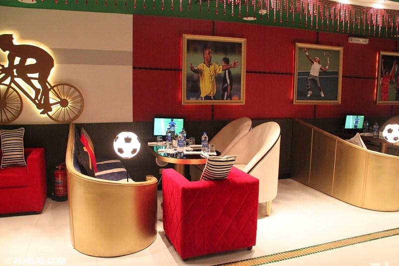 الأمير محمد بن خالد يفتتح مقهى olympics lounge الرياضي بحضور مسئولي ولاعبي الهلال وعدد من الرياضيين  70799511800701003369