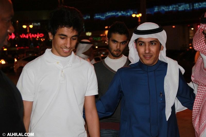 الأمير محمد بن خالد يفتتح مقهى olympics lounge الرياضي بحضور مسئولي ولاعبي الهلال وعدد من الرياضيين  73304039992100368766