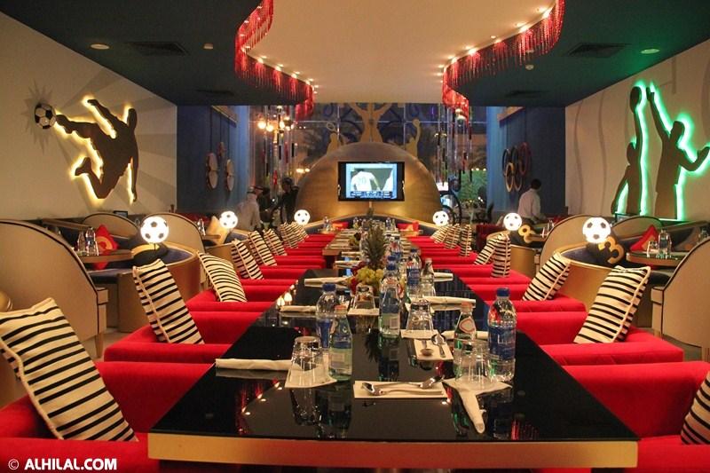 الأمير محمد بن خالد يفتتح مقهى olympics lounge الرياضي بحضور مسئولي ولاعبي الهلال وعدد من الرياضيين  79254665222937451778